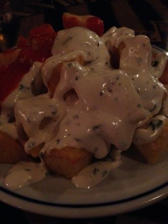Patatas con salsas: Gochismo