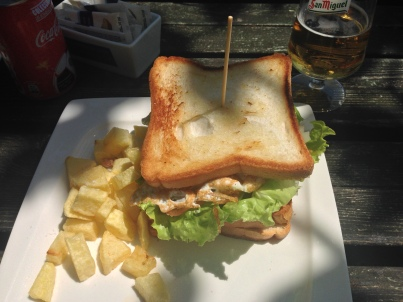Sandwich_Latas_surf_house