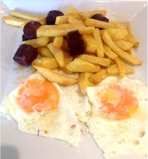 huevos-chorizo-la-comapñaia